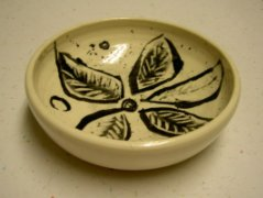 clay pot pattern bowl with leaf design