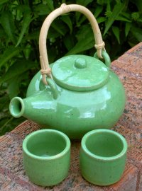 Learn more about pottery glazes to finish your clay pot projects.