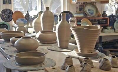 Lakeside Pottery Studio - class in session