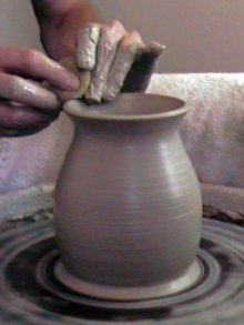 making clay pottery images finishing the rim